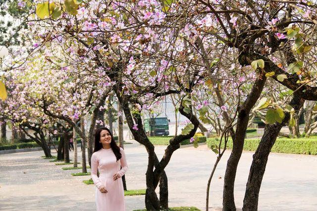 Bài thơ: THÁNG BA TRONG EM - Hạ Như Trần