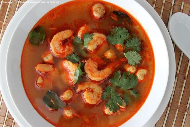 Canh tôm chua Thái