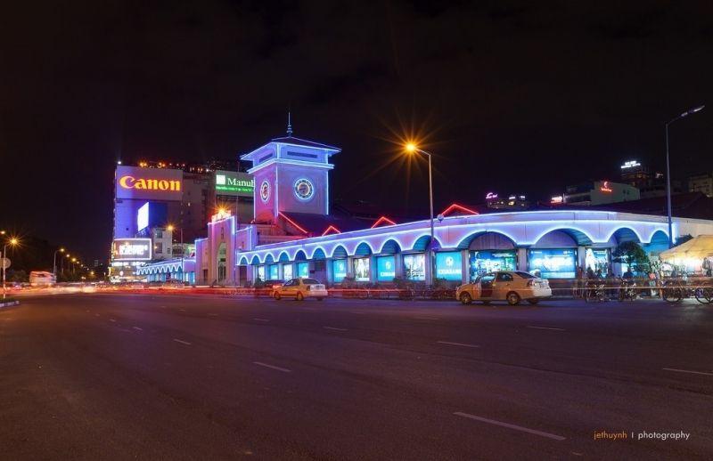 Chợ đêm Bến Thành