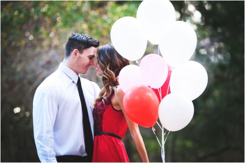Cùng người yêu bàn bạc về kế hoạch Valentine