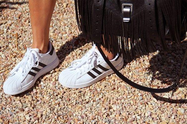 Giầy sneaker