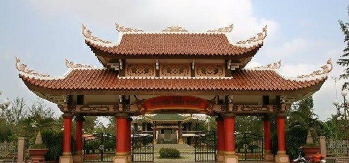 Khu lăng mộ và nhà lưu niệm Nguyễn Đình Chiểu