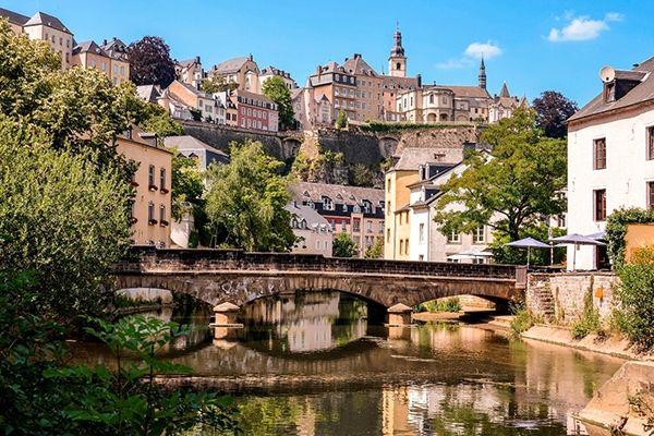 Luxembourg - 61.511 USD/năm