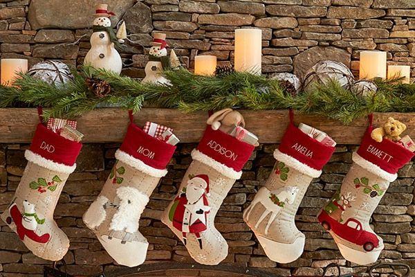 Tại sao ông già Noel lại để quà vào tất