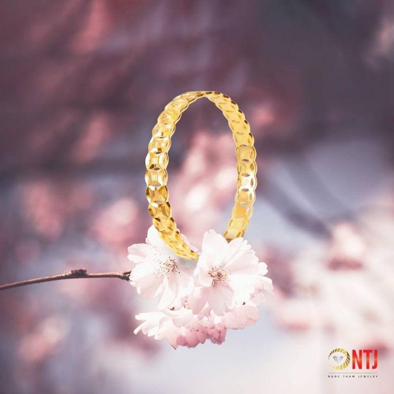 Vàng Bạc Đá Quý Ngọc Thẫm