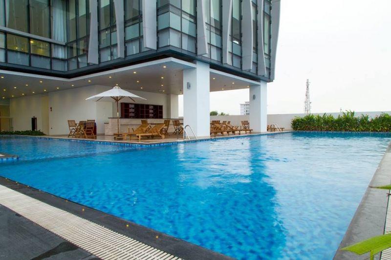 Bể bơi của Khách sạn Sông Hàn