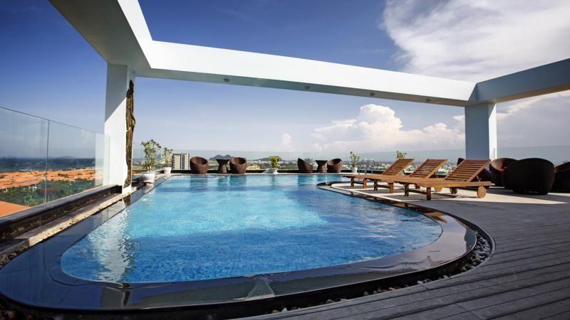 Bể bơi tại Khách sạn Sea Phoenix Đà Nẵng