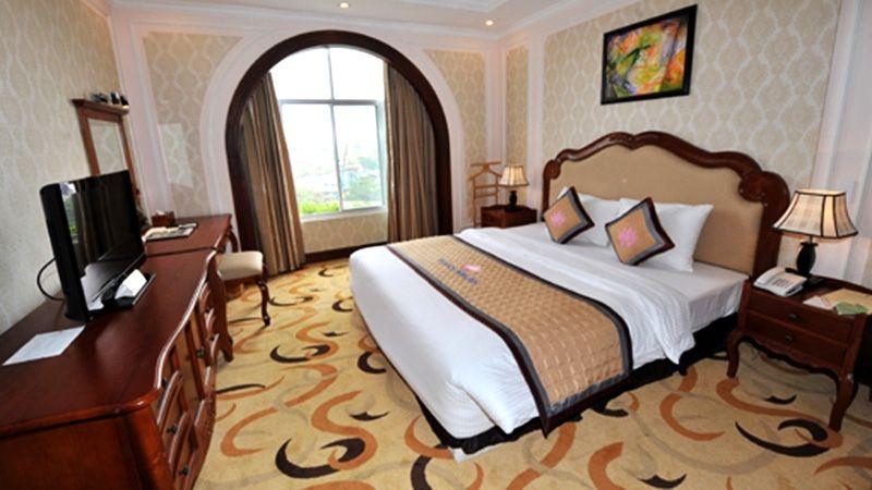 Bông Sen Hạ Long Hotel