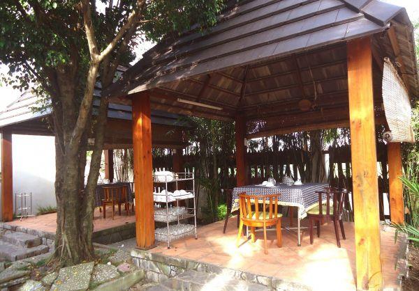 Nhà hàng Hương Đồng Quê