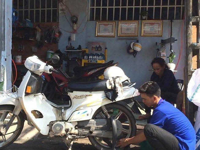 Tiệm sửa xe Đức Thương