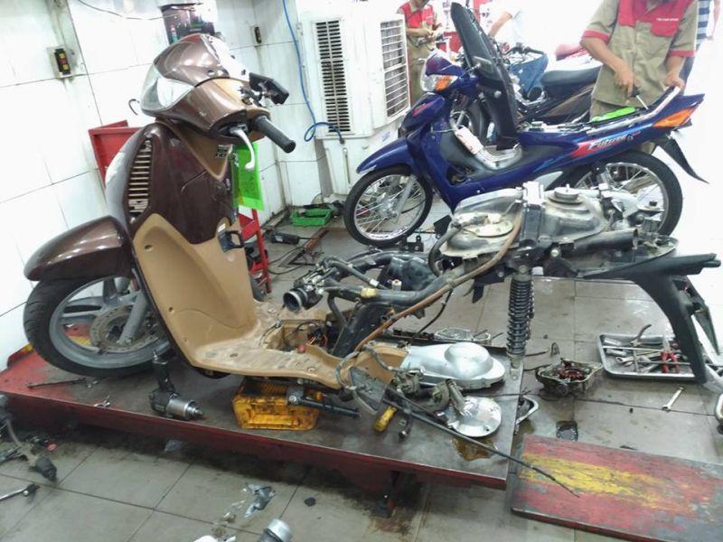 Tiệm sửa xe Tự