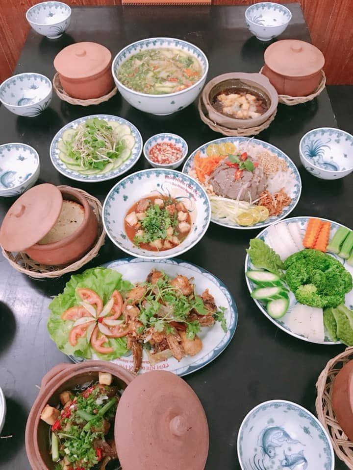 Cơm niêu Lửa Việt