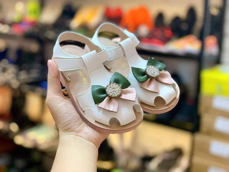 Giày trẻ em Step - up