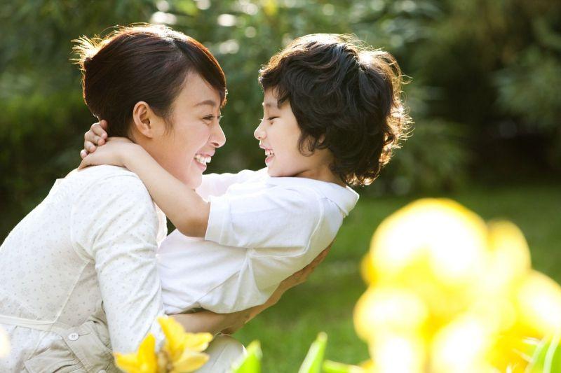 Hãy yêu thương mẹ