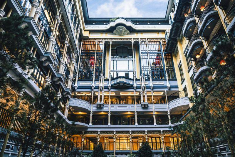 Hotel de la Coupole - MGallery(3533000 đồng/đêm)