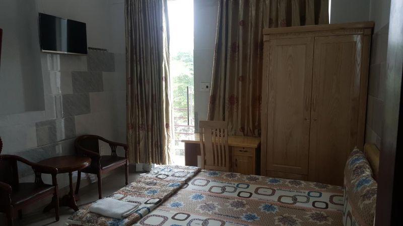 Khách sạn Quỳnh Hoa
