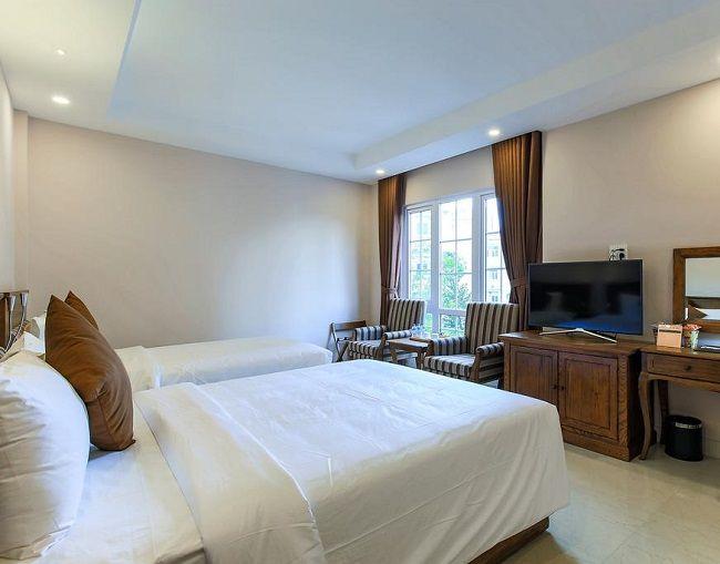 Khách sạn Sunray House