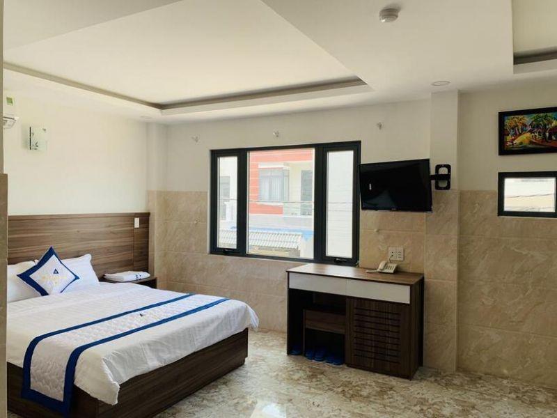 Khách sạn Trần Long