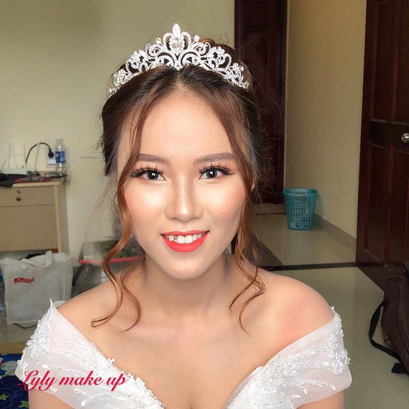 Lyly Makeup Artist
