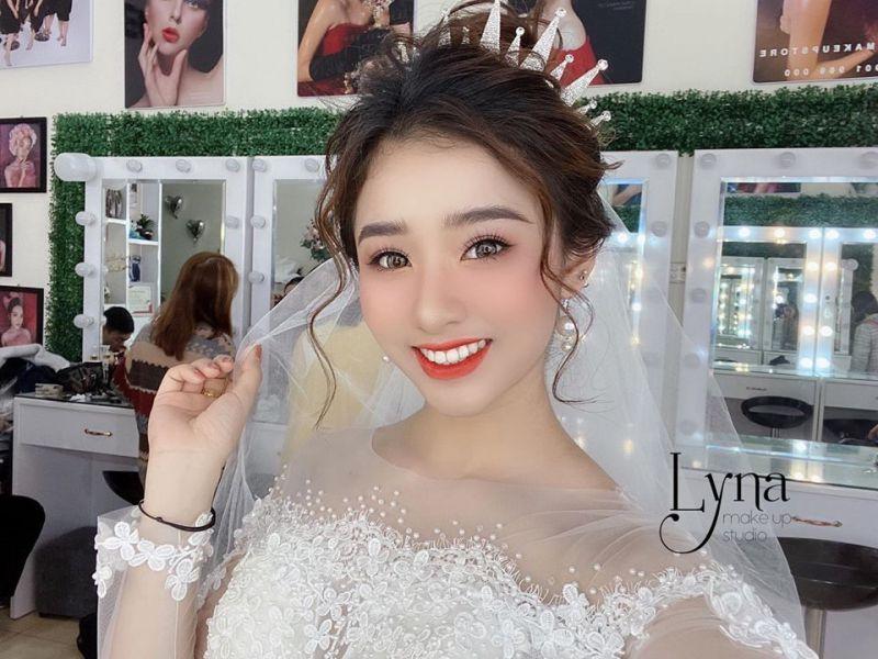 Lyna Makeup Studio