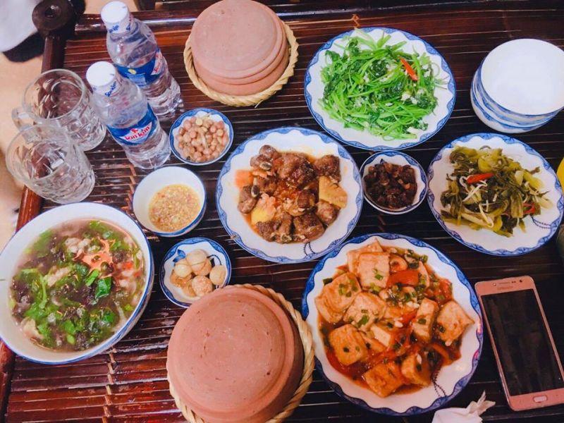 Nhà hàng cơm niêu Lê Mao