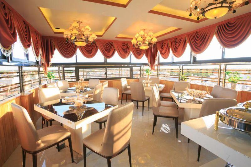 Phạm Hà Hotel