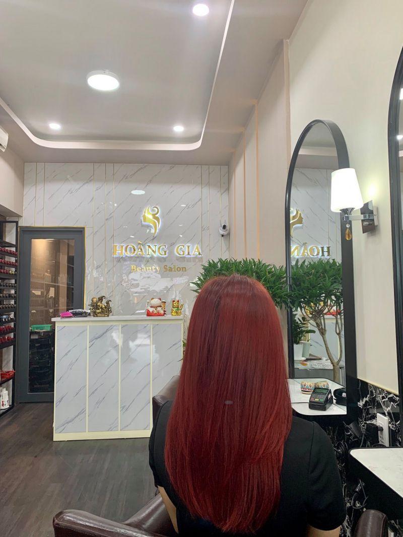 Salon Hoàng Gia
