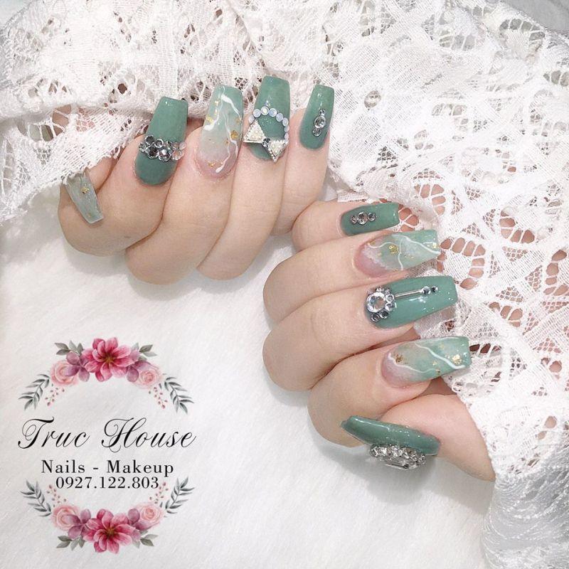 Truc House Nail