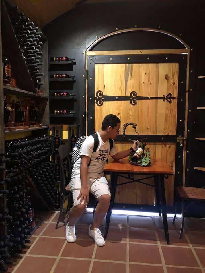 Hầm rượu vang Vĩnh Tiến