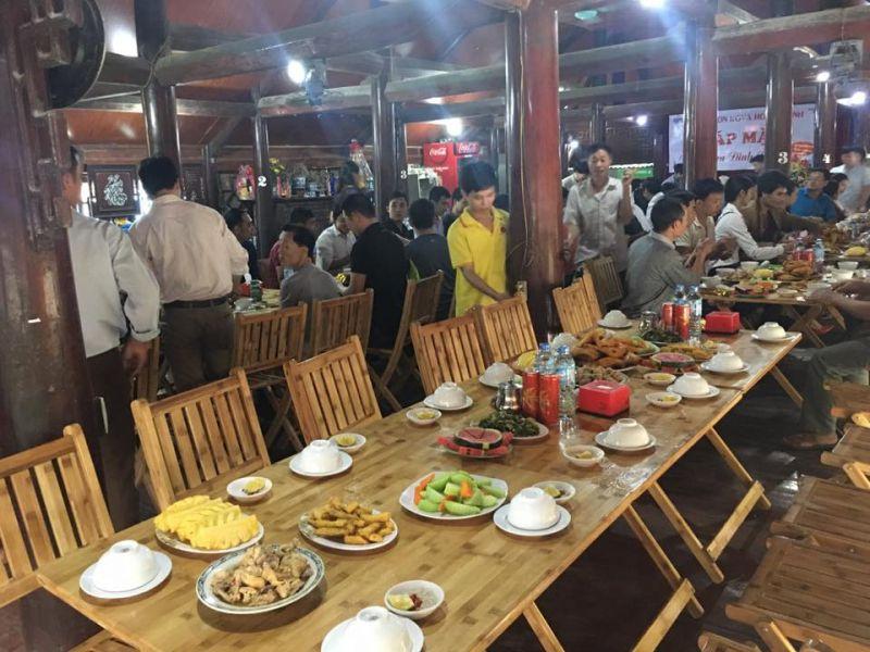 Nhà hàng Việt Hoa
