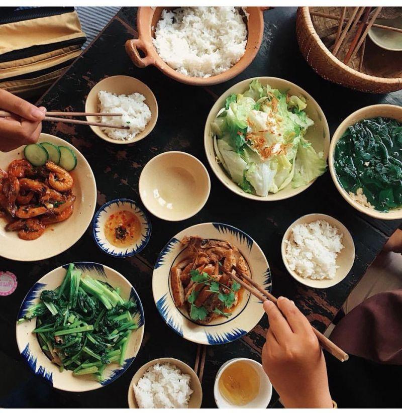 Quán cơm Ngày 3 Bữa