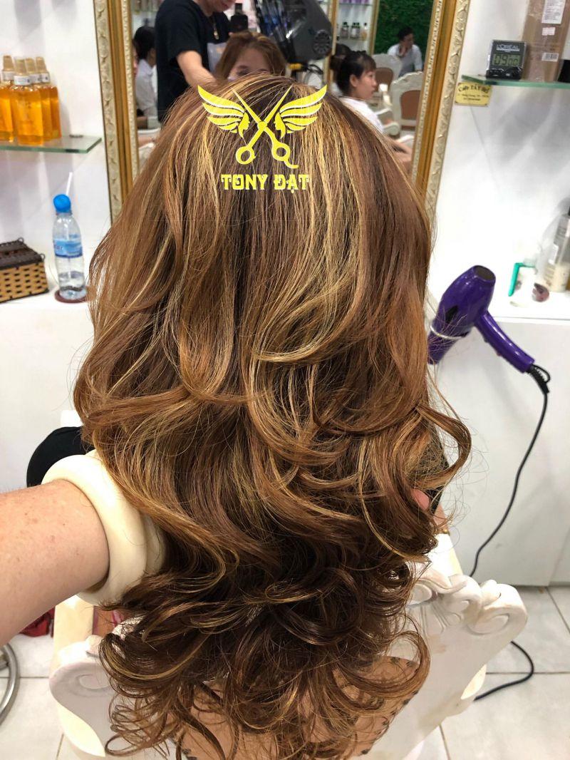 "Salon nhuộm tóc tại Cà Mau: ""Salon tony dat"""