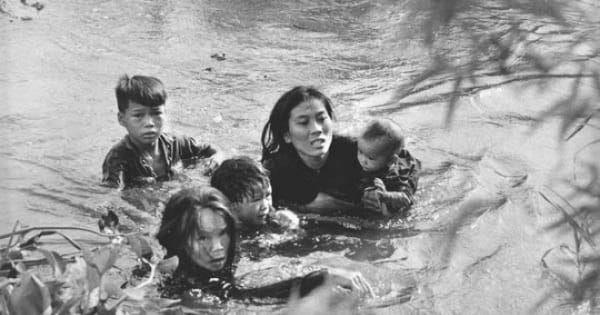 Bài văn phân tích nhân vật Việt và Chiến số 1