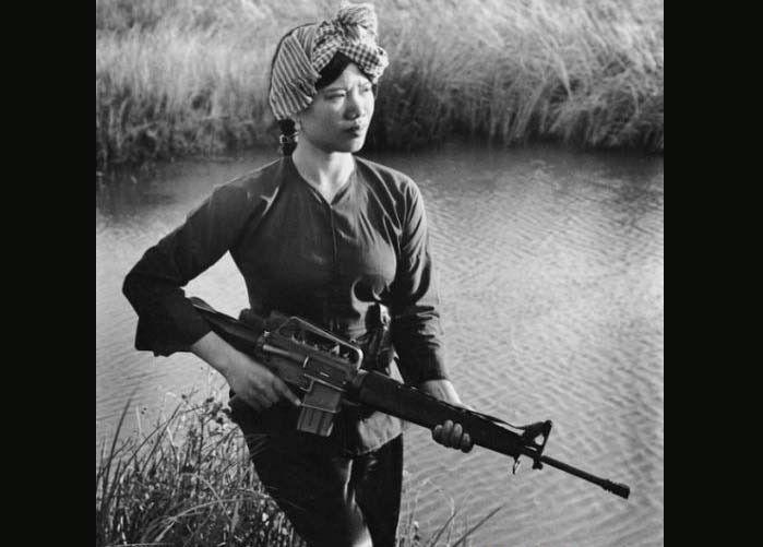 Bài văn phân tích nhân vật Việt và Chiến số 4