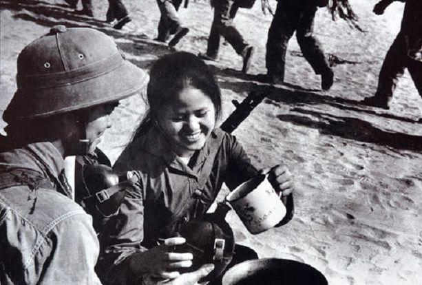 Bài văn phân tích nhân vật Việt và Chiến số 6