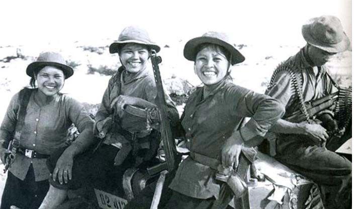 Bài văn phân tích nhân vật Việt và Chiến số 9