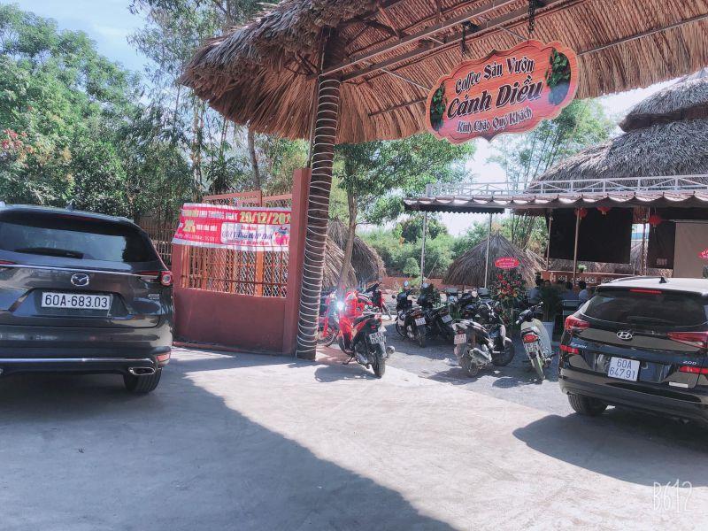 Cafe Sân vườn Cánh Diều