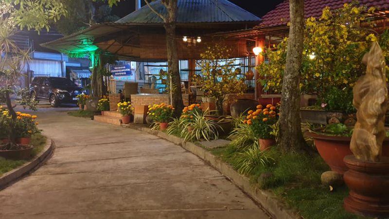 Làng Văn Cafe