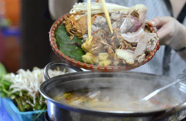Lẩu Mẹt Cua Đồng- Phan Bội Châu