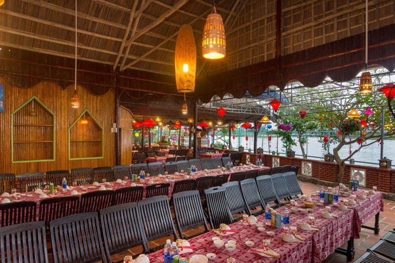 Sông Thu Restaurant