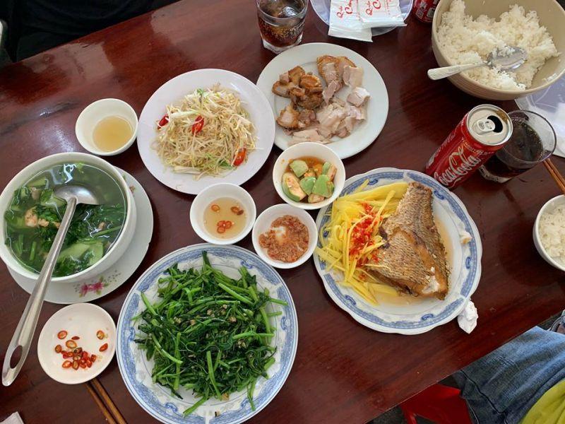 Quán ăn Lưu Ý