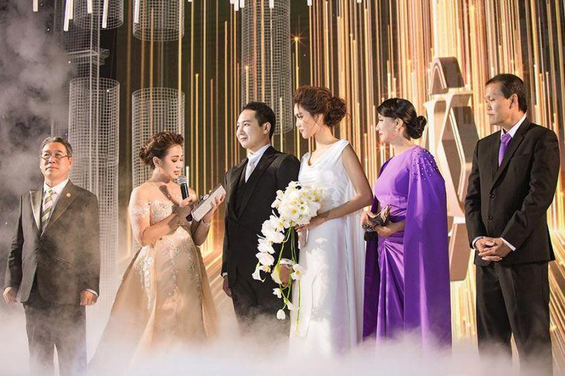 Bài phát biểu trong lễ thành hôn của nhà trai tại nhà hàng, trung tâm tổ chức tiệc cưới