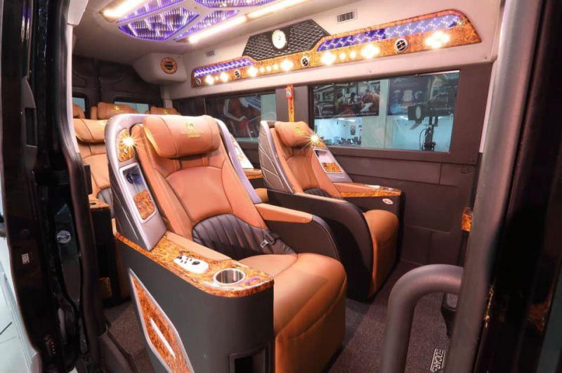 Hạ Long Limousine