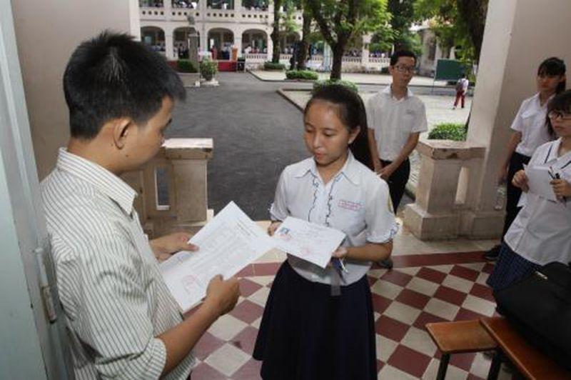 Mỗi học sinh được đăng ký dự tuyển vào 2 trường THPT công lập ở cùng một khu vực tuyển sinh được xếp theo thứ tự ưu tiên
