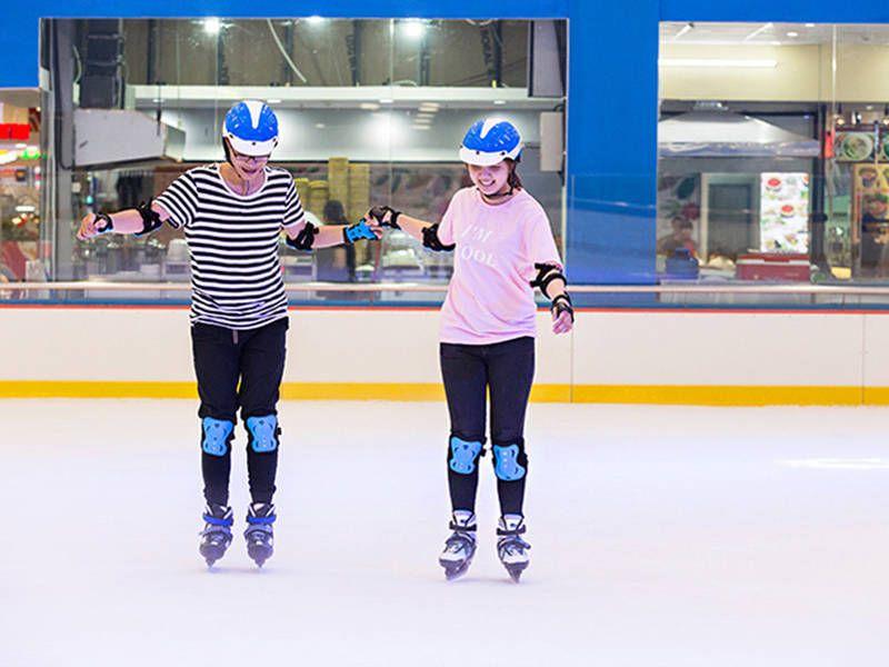 Sân trượt băng  Vincom Mega Mall Thảo Điền