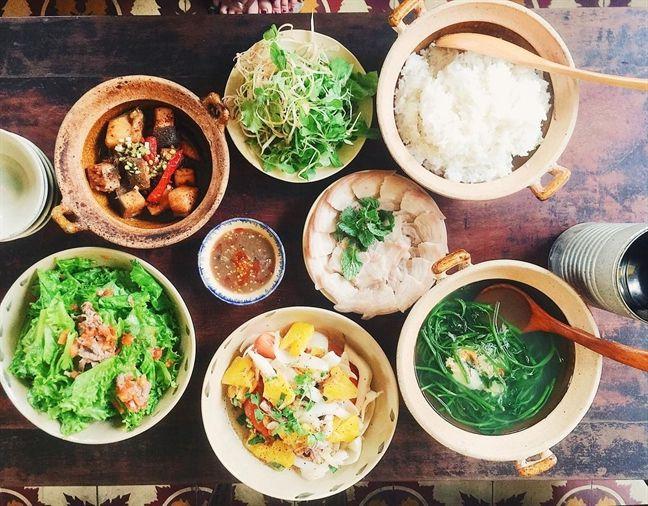 Tiệm Cơm - Cafe Hoa Giấy (Thành phố Hồ Chí Minh)