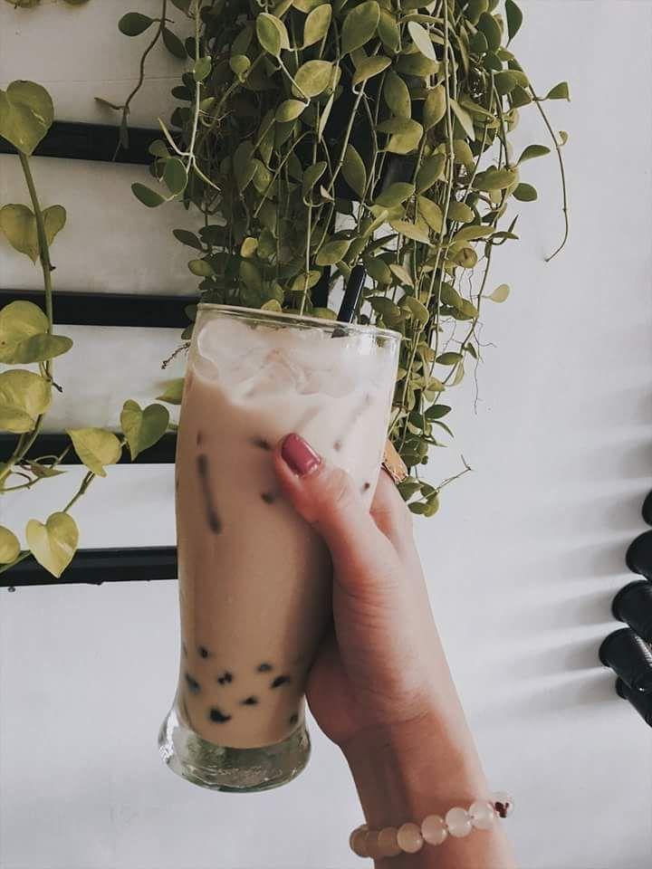 Lyn's Cafe