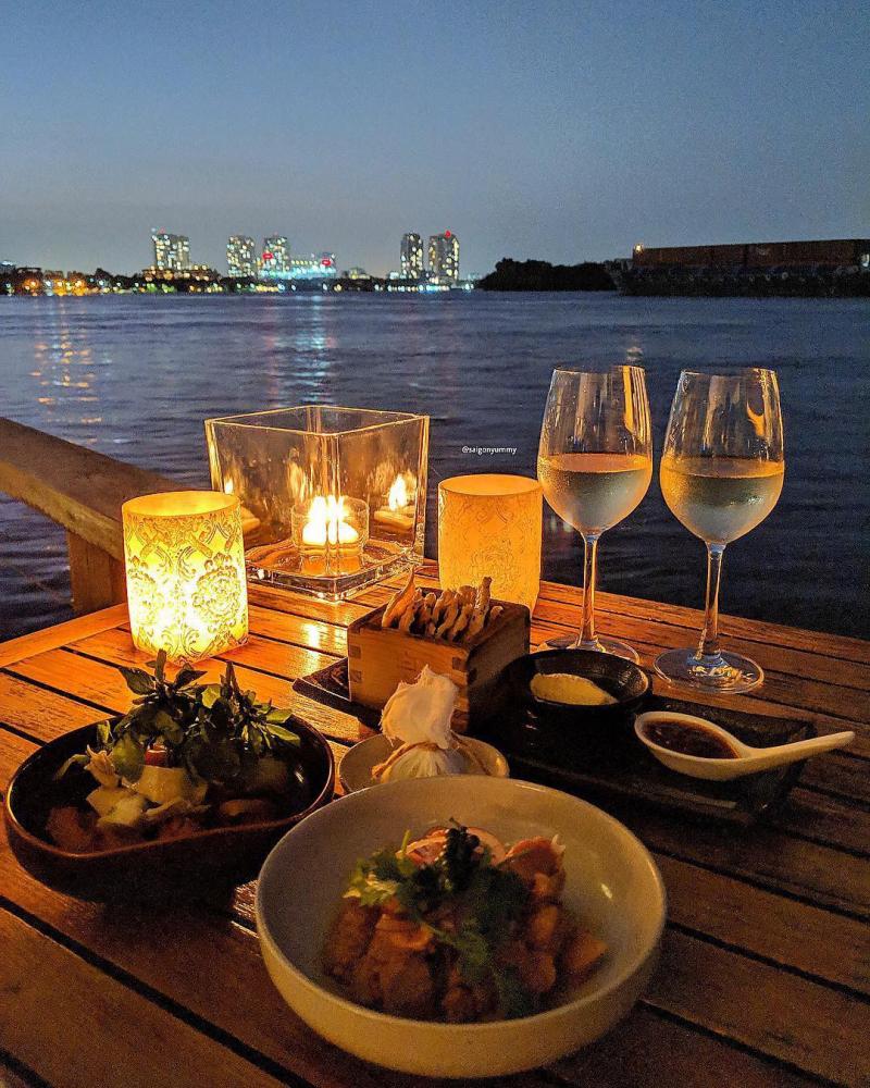 Một bữa ăn tối lãng mạn