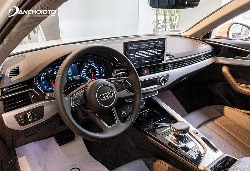 Nội thất Audi A4 đơn giản hơn BMW 320i