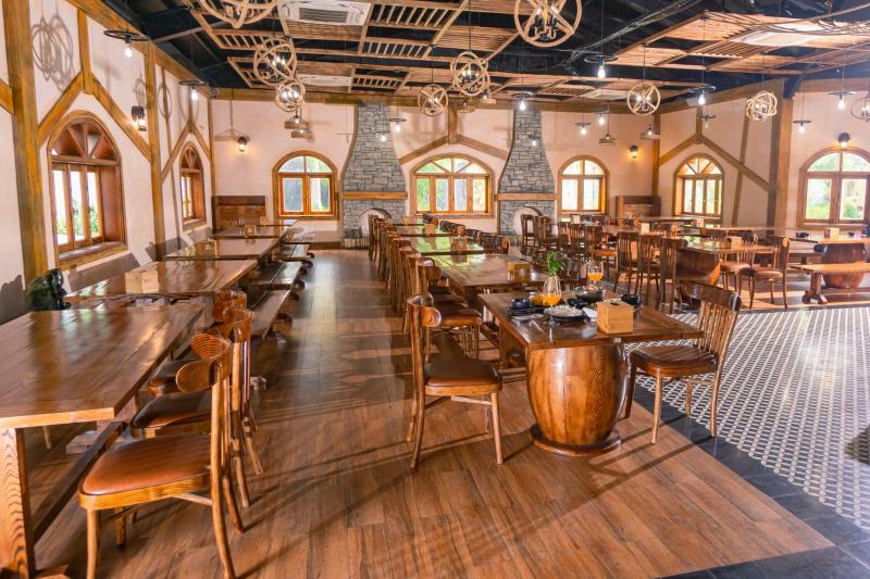Nhà hàng Hobby - Công viên Thiên đường Bảo Sơn